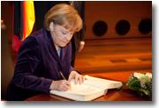 S. Exc. Mme Angela Merkel