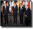 M. Vassilios Skouris, S.A.R. le Grand-Duc, S.A.R. le Grand-Duc héritier et M. Marc Jaeger